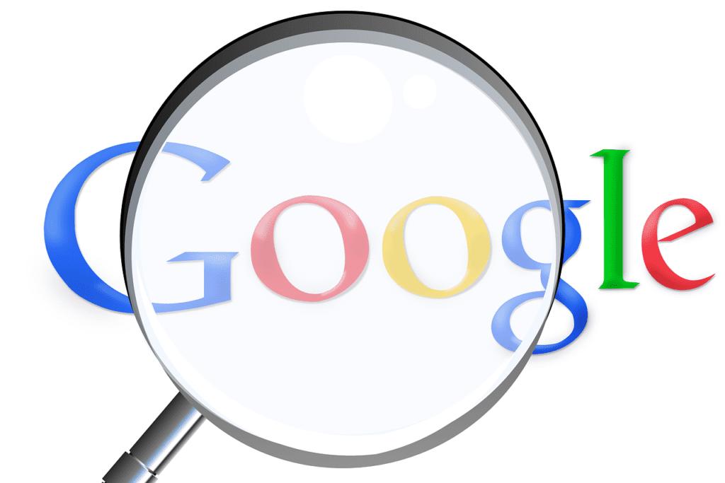 Loupe Google - Simon / Pixabay