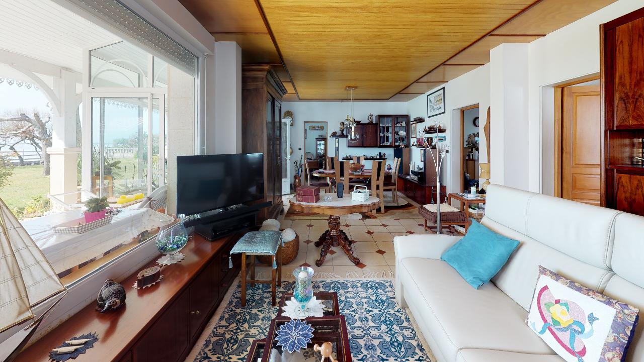 Premiere-ligne-Andernos-Les-Bains-Living-Room(1)